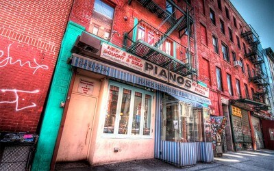 The Best Bars for Drinks in the Lower East Side